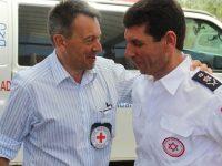 """ראש הצלב האדום הבינלאומי פטר מאורר מבקר בתחנת מד""""א באשדוד. צילום: דוברות מגן דוד אדום"""