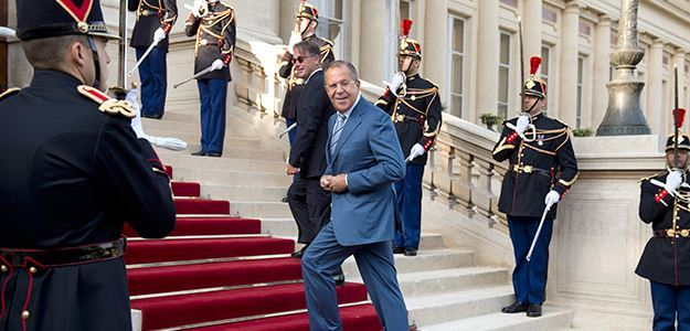 Russian Foreign Minister Sergei Lavrov arrives at an international conference on the Islamic State, Paris, September 15, 2014.